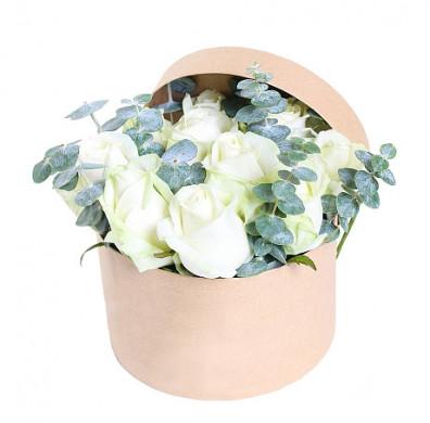 Цветы в коробке «Легкое прикосновение»